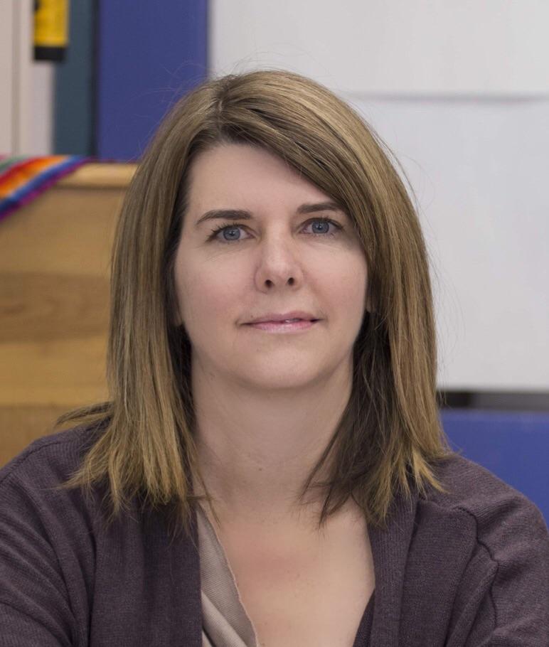 Mrs. Courtney Abruzzo : Art-Teacher